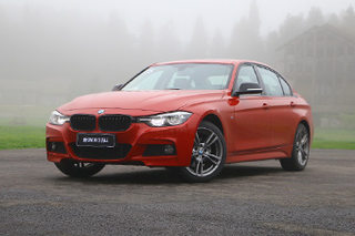 以黑诠释运动 试驾新BMW 3系Li耀夜版