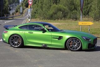 奔驰将推动力最强AMG GT车型 扭矩超700