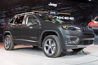 回归传统设计思路  新款Jeep自由光静态解析