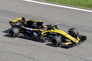 用雷诺引擎的赛车夺冠 F1中国站观赛记