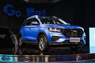 走向高端将竞争RX5/博越 体验SWM斯威新SUV-G01