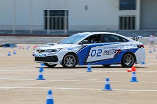 原厂动力和底盘也能赛起来 体验新款帝豪GL赛车