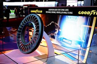 """厉害到""""起飞"""" 固特异概念轮胎亮相日内瓦车展"""