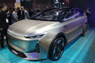 爱驰全新纯电动概念SUV正式亮相 采用七座布局