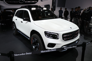 结合硬派越野的7座豪华SUV 上海车展实拍奔驰GLB